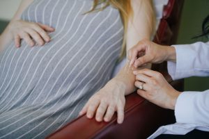 acupuncture on arm during pregnancy